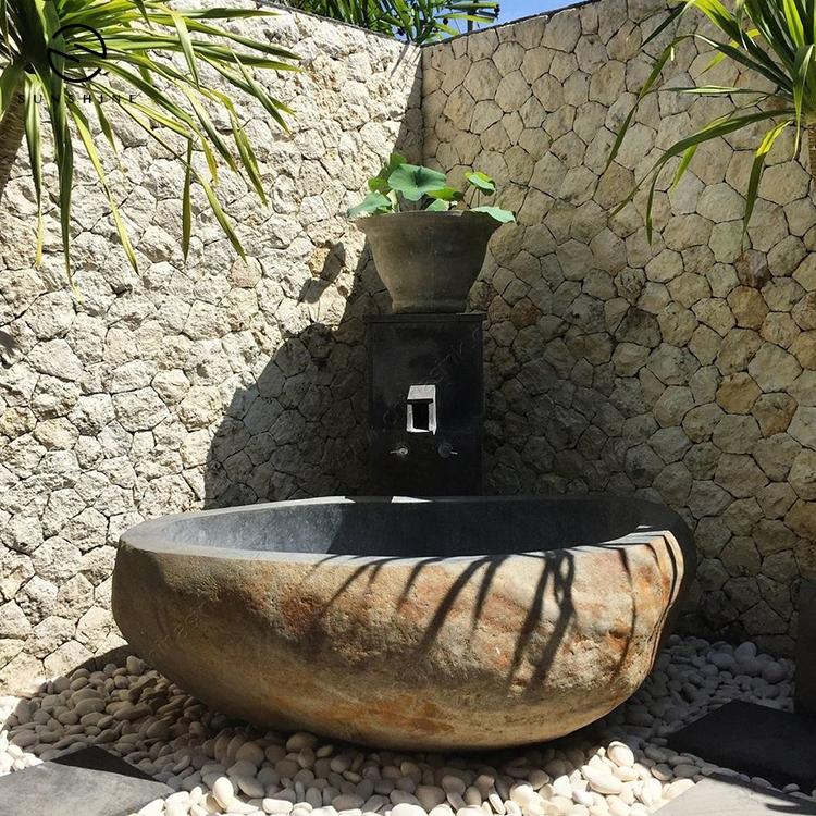 River Stone Free Standing Outdoor Bathtub for Sale